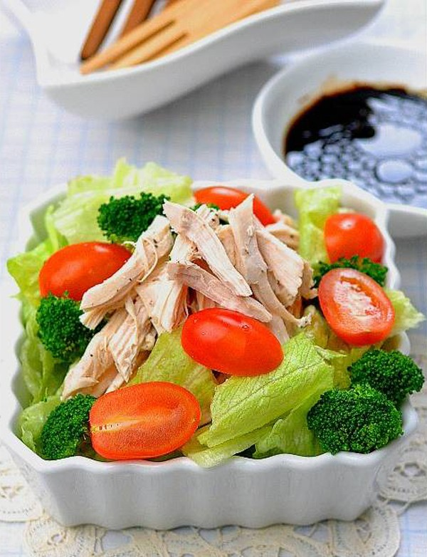 bông cải xanh trộn gà xé phay