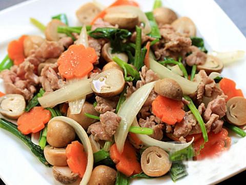 hướng dẫn làm món nấm rơm xào thịt bò
